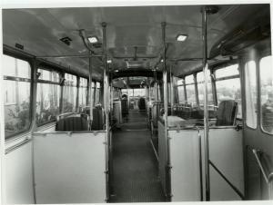 0245-19570116 02 Waddinxveen- Verheul fabriek-  interieur bij aflevering (met nog de oorspronkelijke conducteursstoel)