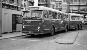0245-19681018 Amsterdam- Geuzenveld ept. (nog met conducteursstoel- achter instappen op voorruit)