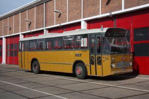 0309-20131012 1 Rotterdam- Waalhaven- Garage RET s301-324 id1967